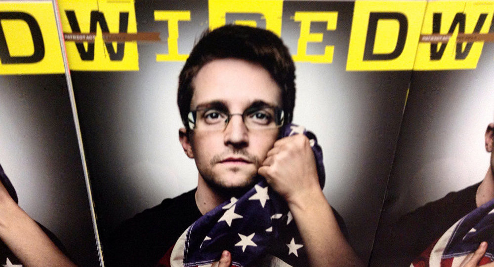 Edward Snowden en la portada de la revista Wired