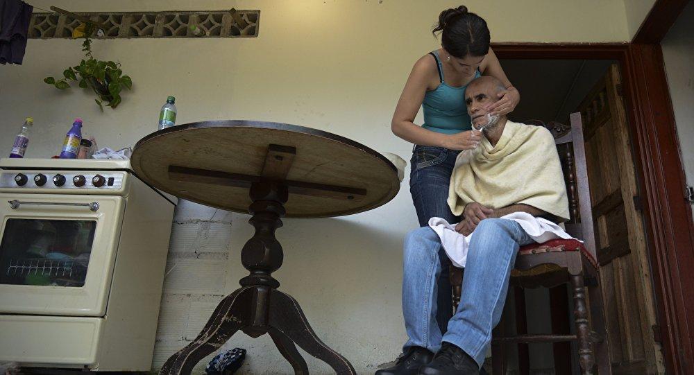 Un hombre con Alzheimer