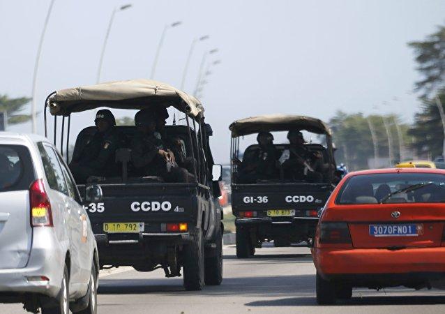 Las Fuerzas de Seguridad en el camino a Grand Bassam, el 13 de marzo de 2016