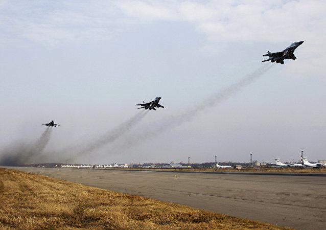 Cazas rusos en el aeródromo Chkalovski