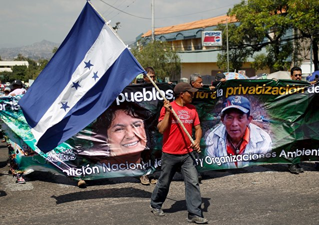 Protesta en Honduras reclamando justicia para Berta Cáceres