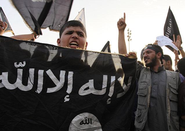 Seguidores de Daesh (archivo)