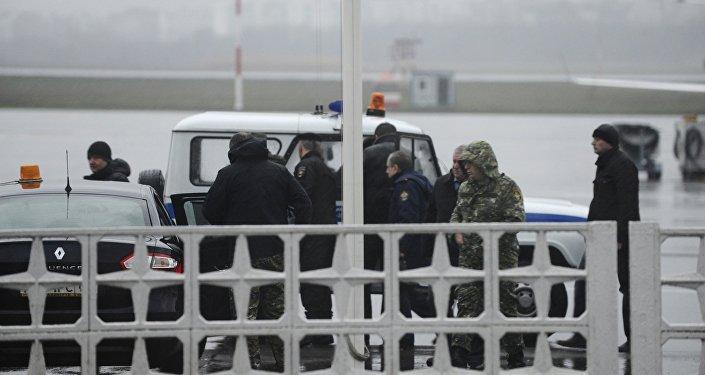 Fuerzas de tarea en el aeropuerto de Rostov en el Don