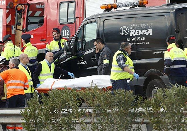 El lugar del accidente del autobús en la autovía AP-7 en Cataluña
