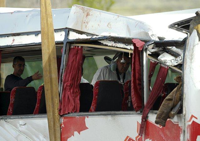 El lugar del accidente del autobús en la ciudad catalana de Tarragona (España)