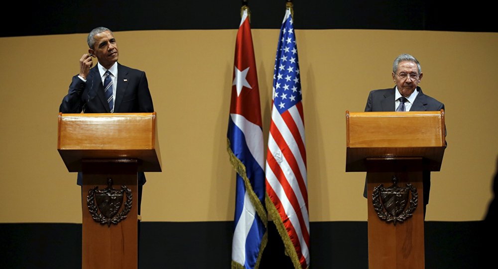 Presidente de EEUU Barack Obama y presidente de Cuba, Raúl Castro