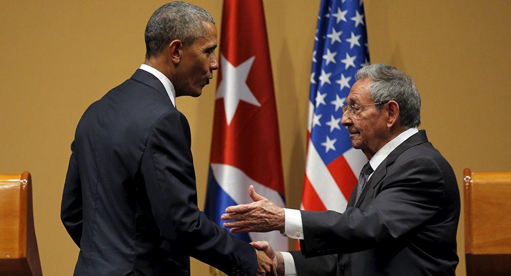 Barack Obama, presidente de EEUU, y Raul Castro, presidente de Cuba