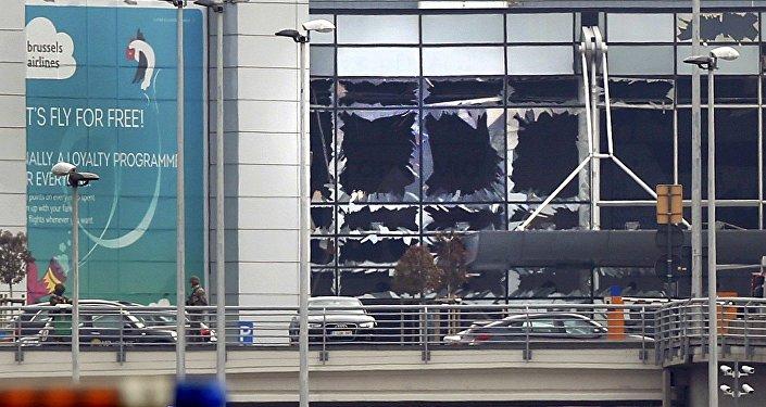Ventadas destruidas en el aeropuerto de Zaventem en Bélgica tras las explosiones