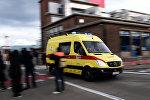 Una ambulancia abandona el aeropuerto de Bruselas tras los atentados del 22 de marzo de 2016