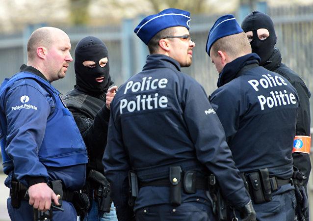 Policía belga tras los atentados en Bruselas