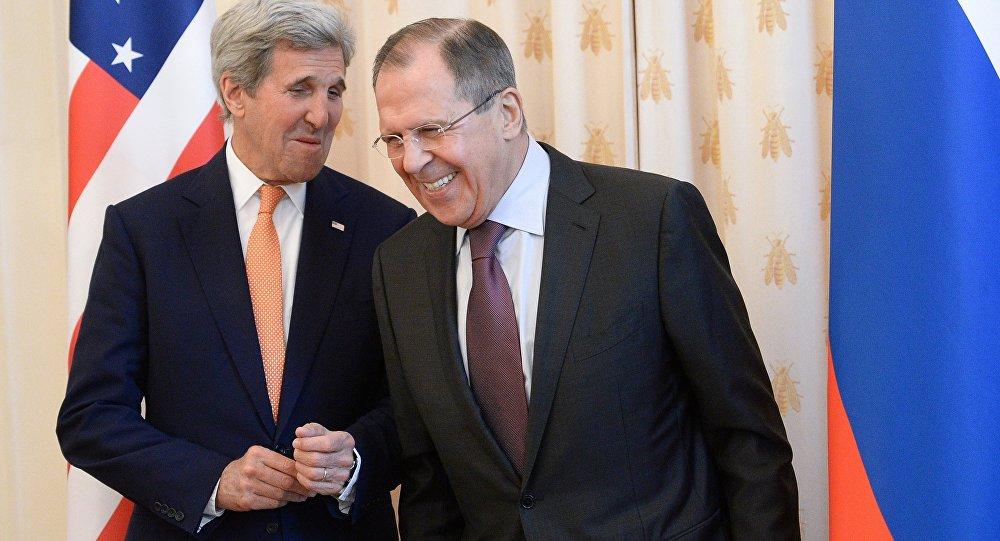 El encuentro entre el Ministro de Exteriores de Rusia Serguéi Lavrov y John Kerry, el secretario de estado de EEUU