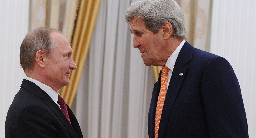Presidente de Rusia, Vladímir Putin y secretario de Estado de EEUU, John Kerry
