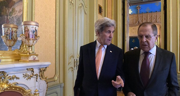 El ministro de Exteriores de Rusia, Serguéi Lavrov, y el secretario de Estado de EEUU, John Kerry