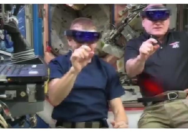 Extraterrestres atacan la Estación Espacial Internacional