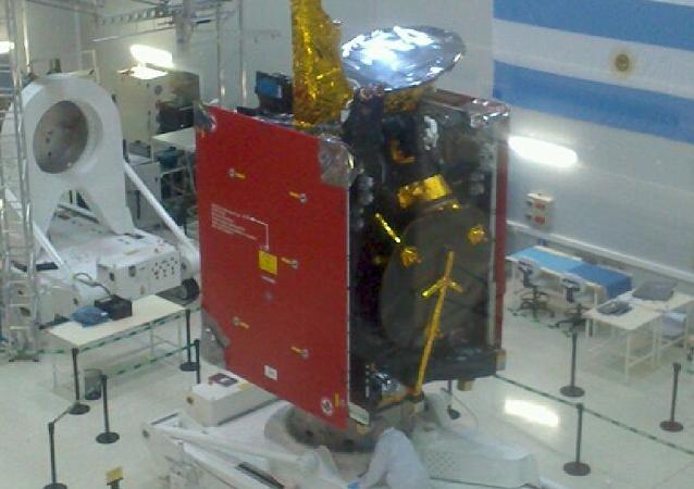 Fabricación del satélite Arsat 2 (archivo)