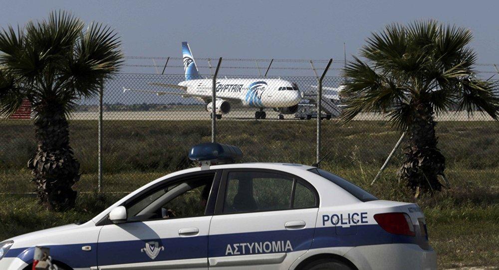 El avión A320 secuestrado . Chipre, el 29 de marzo de 2016