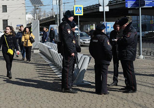 Policías moscovitas