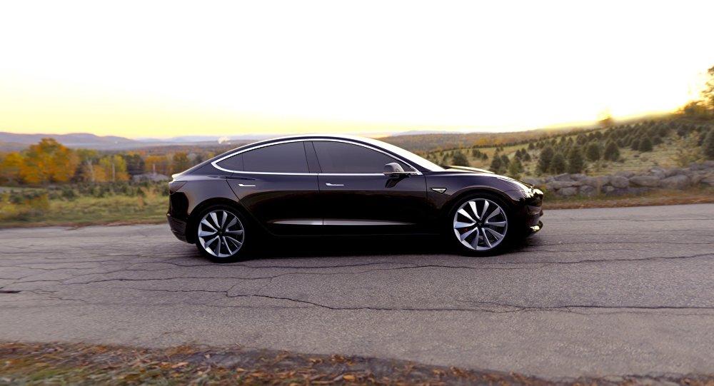 Elon Musk presentó su nuevo Tesla Model 3