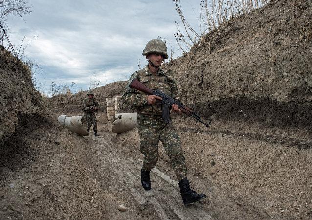 Militares en Nagorno Karabaj