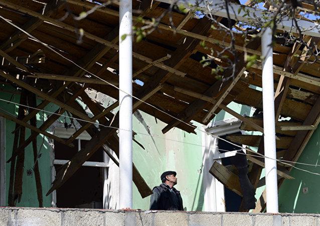 Edificio destruido durante los combates en Nagorno Karabaj