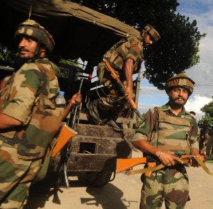 Militares indios