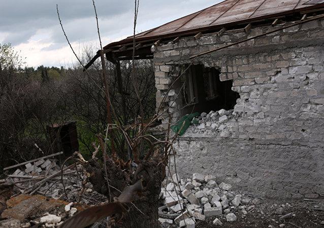 Edificios destruidos en Nagorno Karabaj