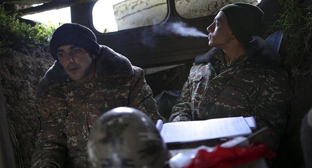Militares armenios en Nagorno Karabaj