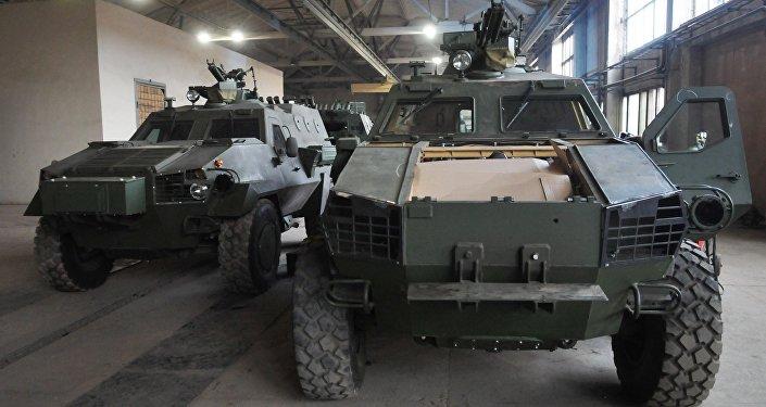 Auto blindado Dozor-B en la fábrica de Leópolis