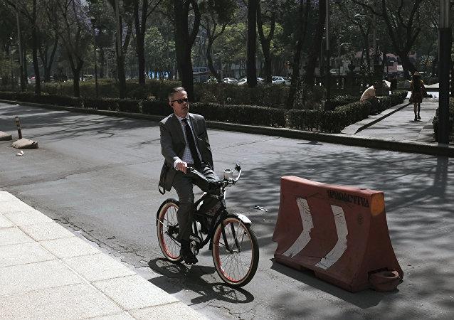 Ciudad de México vive jornada bajo contingencia por contaminación