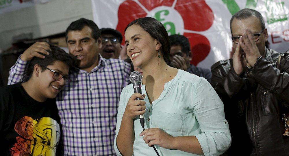 Buscan cerrar paso a nuevas opciones políticas — Verónika Mendoza