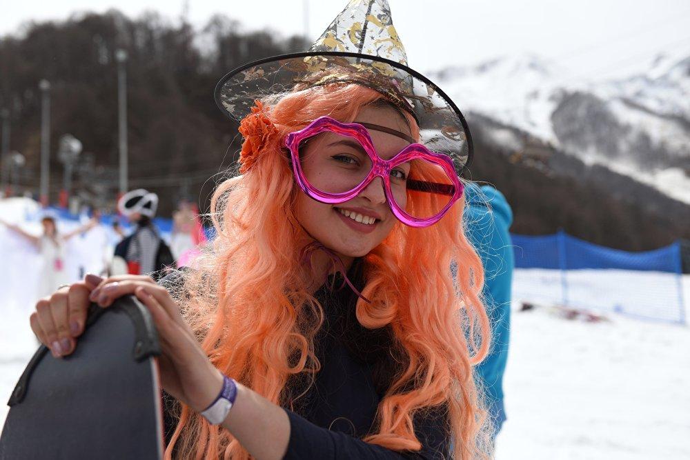Nuevo descenso récord: Esquiando en bañadores