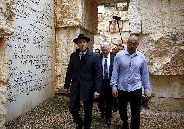 Heinz-Christian Strache (centro) durante su visita a Israel