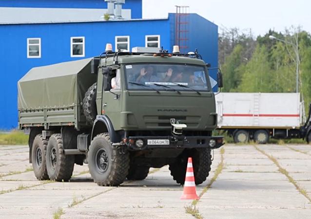 El  legendario camión ruso Kamaz en piloto automático