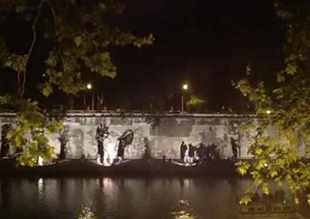 Triunfos y Lamentos, espectáculo callejero en Roma