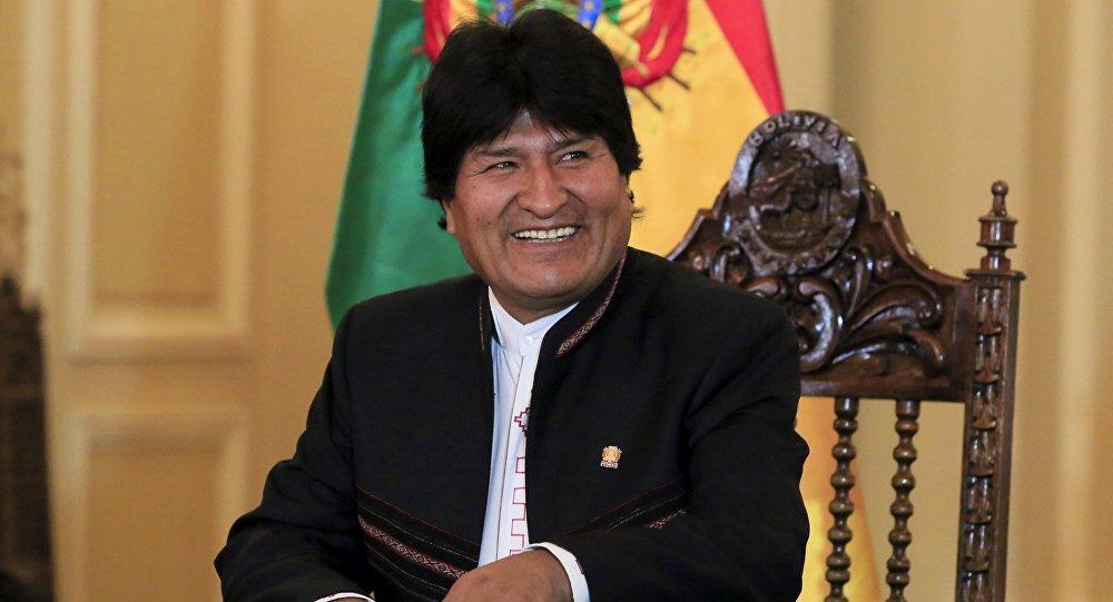 El presidente Evo Morales sonríe durante una conferencia de prensa