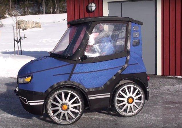El bicicoche inventado por el sueco Mikael Kjellman