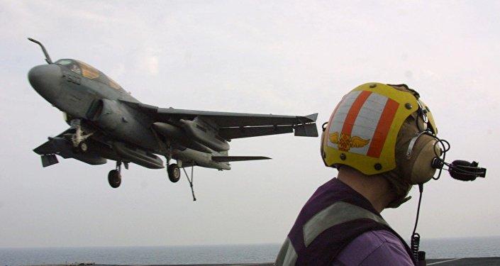 Avión estadounidense de la guerra electrónica EA-6B Prowler