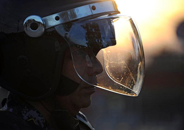Agente de policía hondureña
