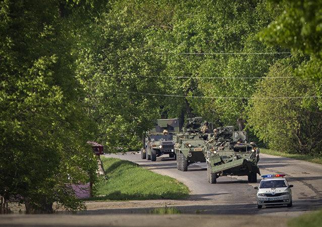Vehículos militares de EEUU en Moldavia (archivo)