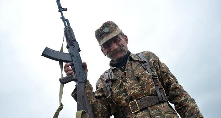 Militar de las fuerzas de Nagorno Karabaj