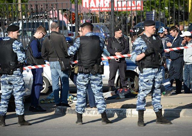 La pelea multitudinaria en el cementerio Jovánskoe en Moscú