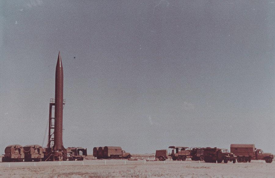 El misil balístico R-5M antes del lanzamiento