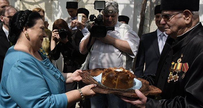 La jefa de la Casa Imperial de los Románov, la Gran Duquesa María Vladímirovna en su visita a Crimea