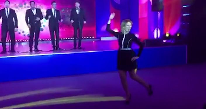 Zajárova, reina del baile