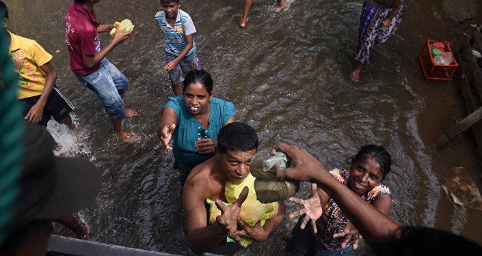 Decenas de muertos por inundaciones en Sri Lanka