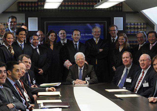 Un grupo de abogados de varios paises