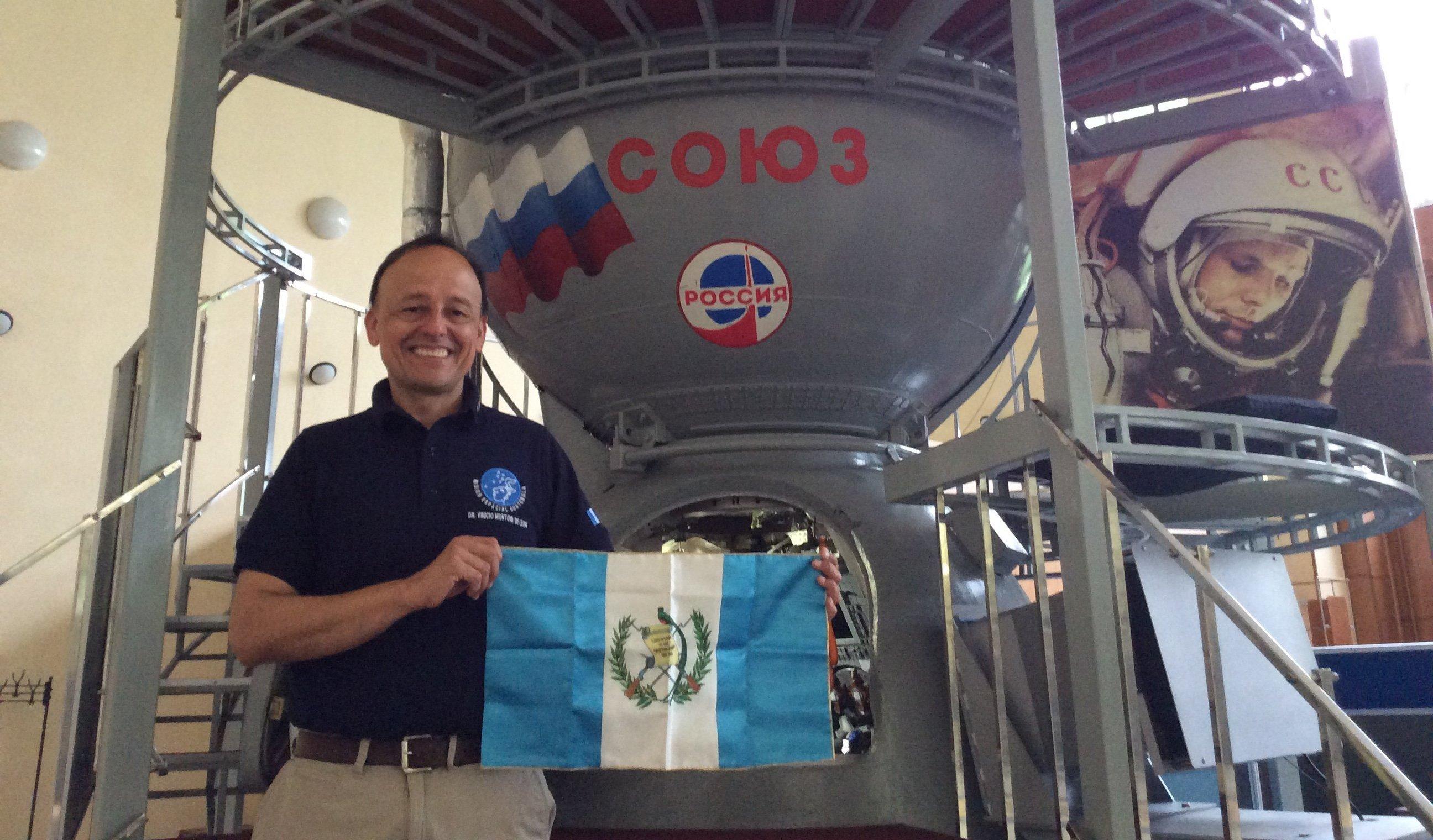 Vinicio Montoya y la nave Soyuz