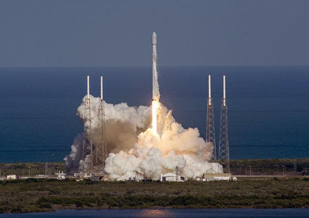Lanzamiento del cohete Falcón 9