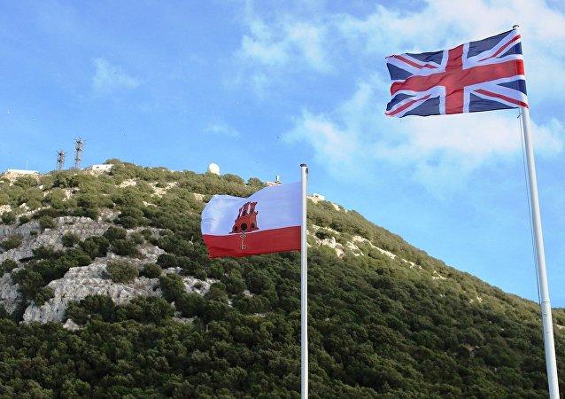 Banderas de Reino Unido y Gibraltar