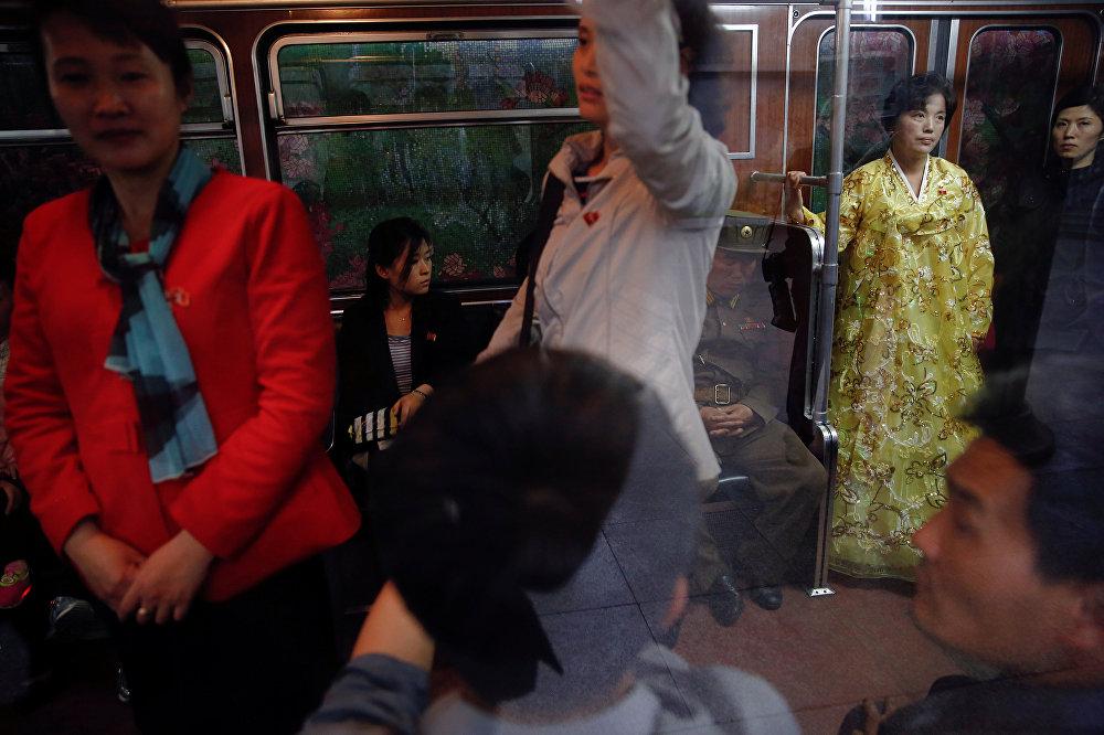 Una excursión por el metro de Pyongyang